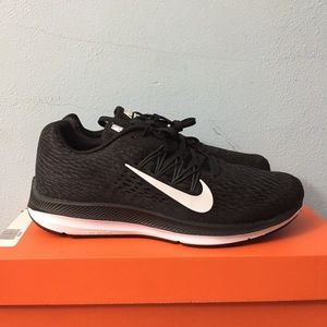 ✨NEW Men's Nike Zoom Winflo 5 Shoes | Size 9